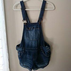 l.e.i. Jean Shorts Overalls. Size L.